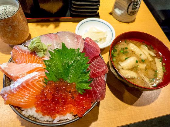 魚の旨い店03.jpg